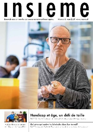 la couverture du magazine insieme met en scène un homme agé travaillant dans un atelier